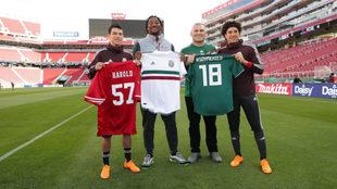 Conviven la selección con los 49ers y Cain Velázquez.