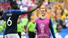 Pogba y Griezmann, protagonistas de los goles de Francia a Australia