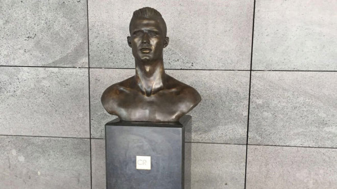 Cristiano Ronaldo bust replaced at Madeira airport