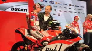 Domenicali con Lorenzo, en la presentación del equipo cuando llegó...