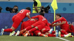 Inglaterra celebra la victoria ante Túnez