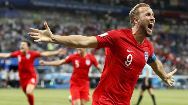 Kane celebra su segundo gol a Túnez.