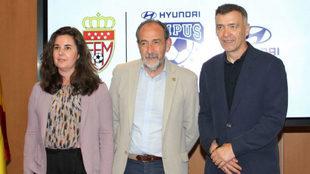 Elena Gris, directora de márketing de Hyundai, Paco Díez, presidente...
