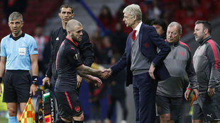 Wilshere says he has 'no option' but to leave Arsenal.