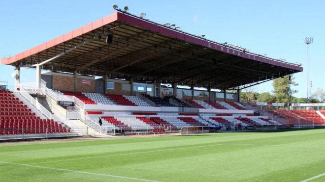 Imagen de la grada principal del estadio Municipal de Montilivi.