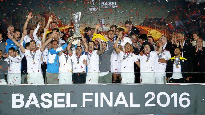 El Sevilla levanta su quinta Europa League.