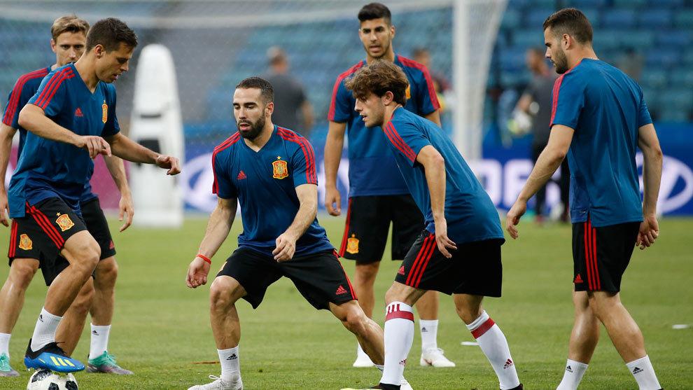 Carvajal en la alineación de España vs Irán