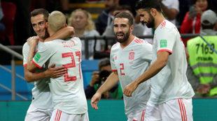 España celebra el gol de Costa.