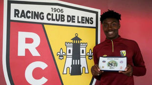 William Bianda (18), central del Lens.
