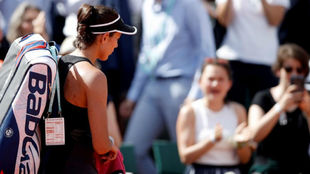 Garbiñe Muguruza tras caer eliminada en Roland Garros.
