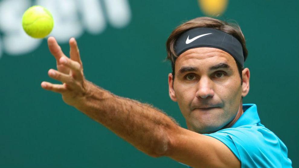 Con lo justo, Federer avanzó a cuartos de Halle