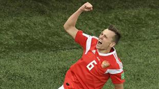 Denis Cheryshev celebra un gol