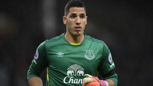Joel Robles, en un partido con el Everton.