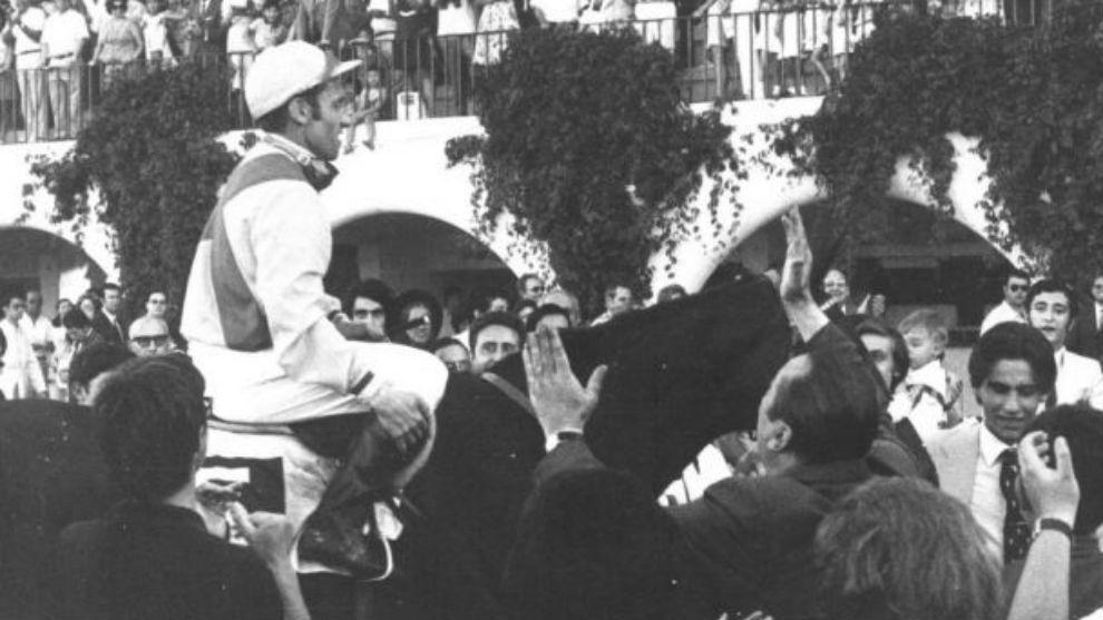 Claudio Carudel, tras vencer con 'Travertine' en el Gran Premio de...
