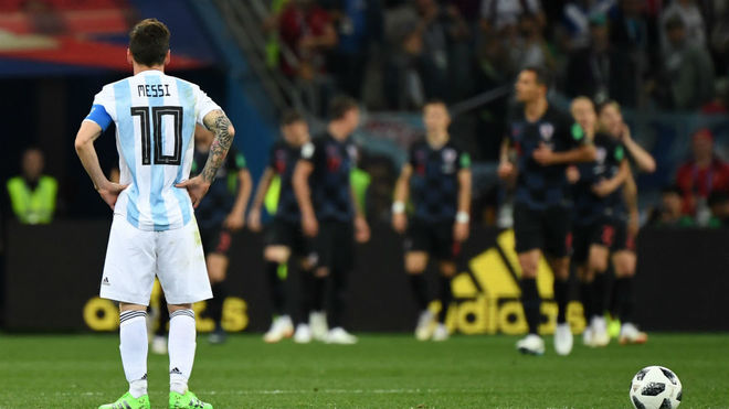 Argentina star is desperate and frustrated says Mascherano