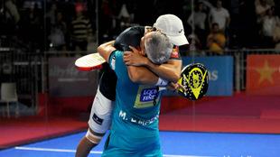 Mieres y Lamperti celebran su triunfo ante Navarro y Díaz