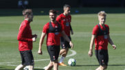Fontás, Sergi Gómez y Wass durante un entrenamiento de la pasada...