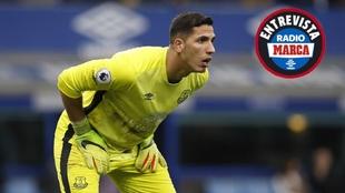 Joel Robles en un encuentro con el Everton.