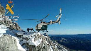 El equipo de rescate de montaña evacuó domingo pasado a una persona...