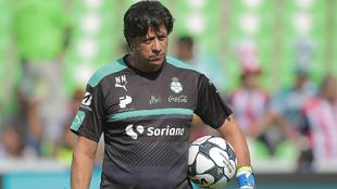 Destacó las cualidades de Guillermo Ochoa