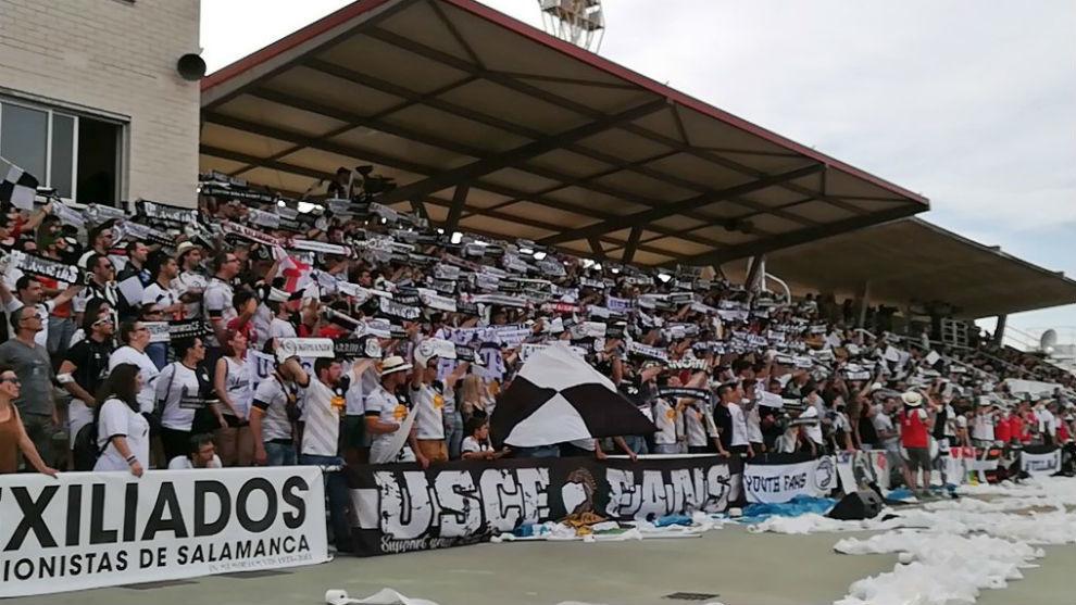 Aspecto de la grada de Las Pistas en el partido contra el Socuéllamos