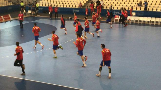 Calentamiento de la selección española antes del partido ante Grecia