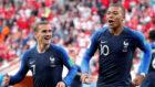 Kylian Mbappé ya es el goleador más joven de la selección francesa...