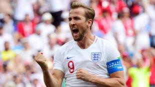 Kane celebra uno de sus goles a Panamá.