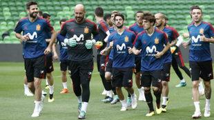 Pepe Reina, durante un entrenamiento con la selección.
