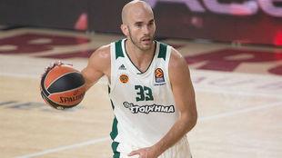 Nick Calathes jugando en el Palau Blaugrana con el Panathinaikos