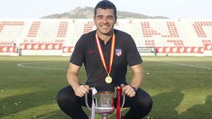 Manolo Cano, con la Copa.