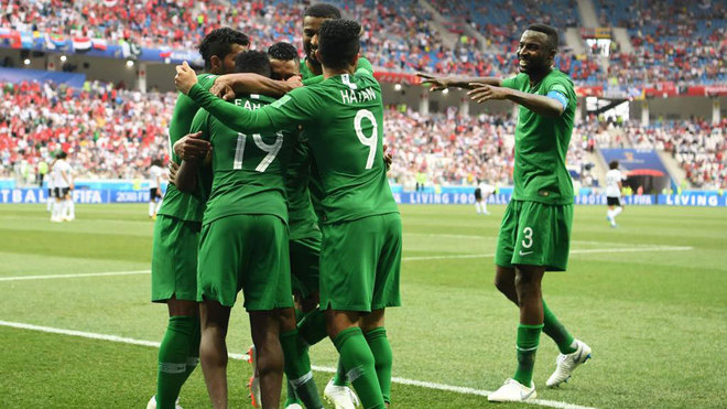Saudis stun Egypt in World Cup farewell despite Salah strike