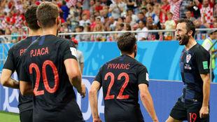 Badelj celebra el primer gol de Croacia ante Islandia.