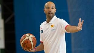 Jordi Fernández como técnico asistente en la selección española