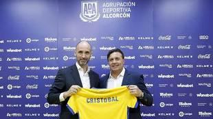 El presidente Ignacio Legido junto a Cristobal en su presentación...