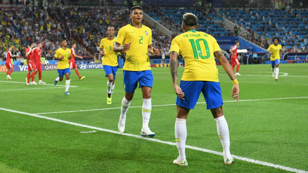 fifa world cup 2018 serbia vs brazil brazil beat serbia 2 0 to