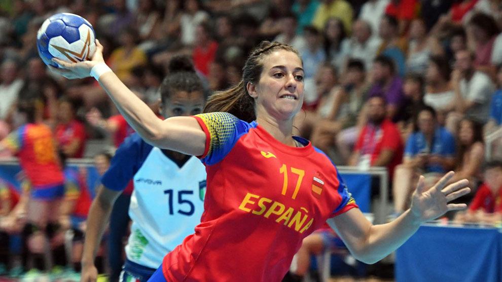 Jennifer Gutiérrez lanza un 7 metros ante Italia