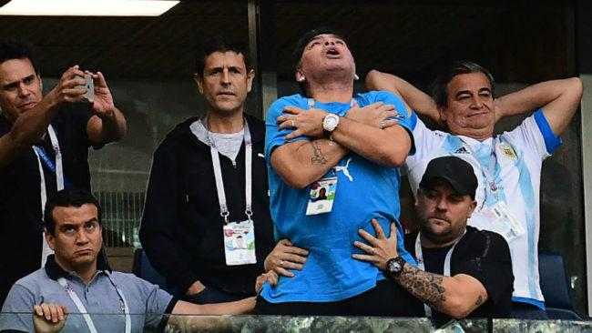 Maradona, tras el gol de Messi en el Argentina-Nigeria.