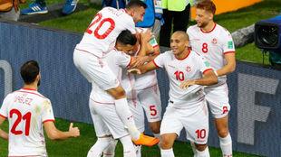 Túnez festeja el gol de la victoria
