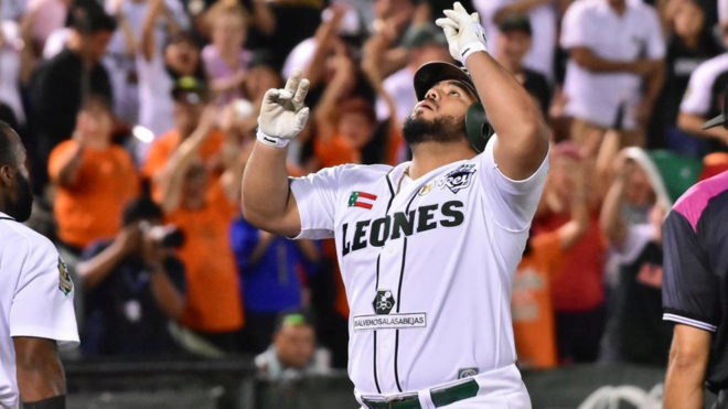 Leones celebra el triunfo sobre Sultanes
