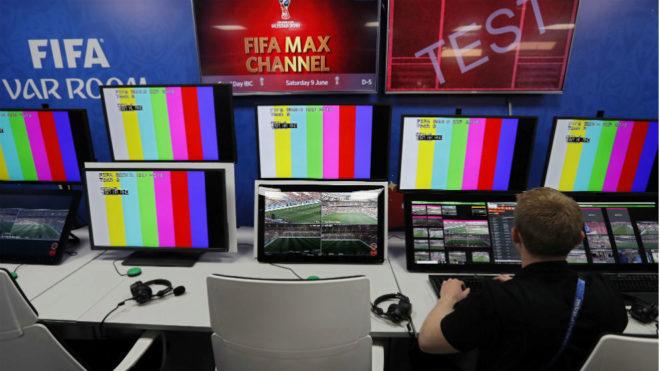 Imagen de una sala del VAR de la FIFA en Moscú durante el Mundial.