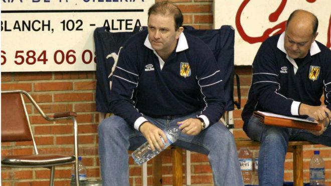 Javier Cabanas durante su etapa como técnico del Altea