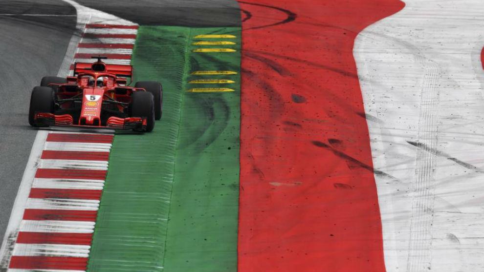 Verstappen se quedó con la victoria en una tarde negra para Mercedes