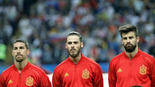 Ramos, De Gea y Piqué, en un partido.