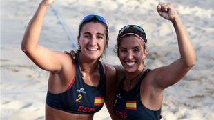 Belén Carro (19) y Paula Soria (25) tras ganar en Tarragona.