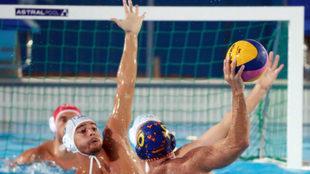 Felipe Perrone durante el partido frente a Italia.