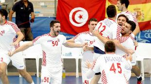 Los jugadores croatas celebran el triunfo en la final /