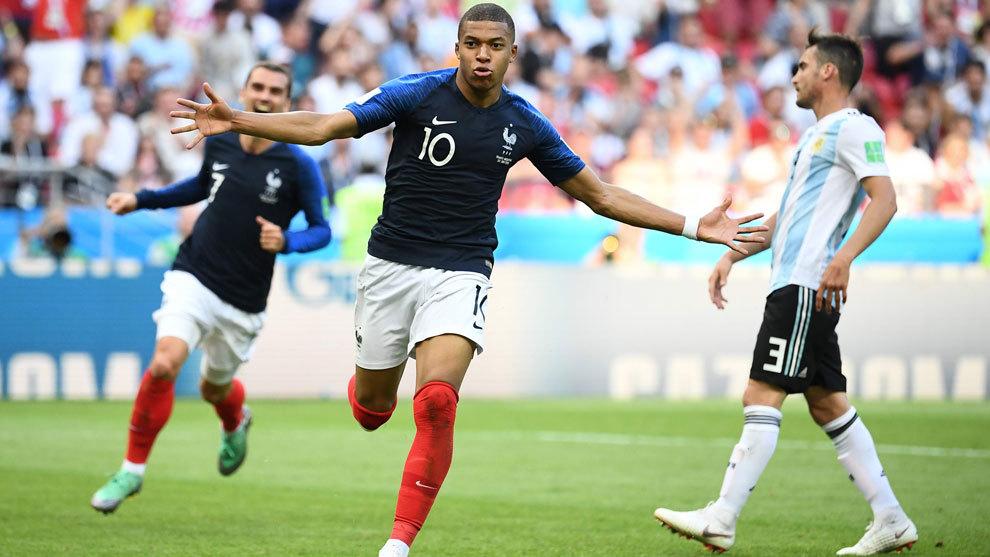 Mbappé sobresalió en el duelo contra Argentina con un doblete.
