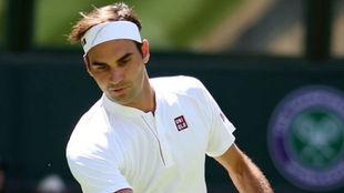 Federer se estrena con Uniqlo
