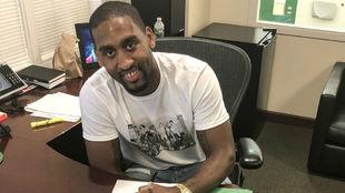 Bradley Wanamaker firma su contrato con los Boston Celtics